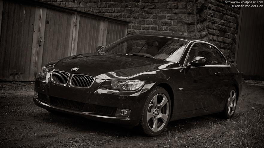 black BMW 3-series Cabrio (325i)