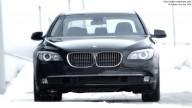 Front of BMW 7 Series (730d, black)
