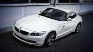 Photo of white BMW Z4 Roadster (23i, white)