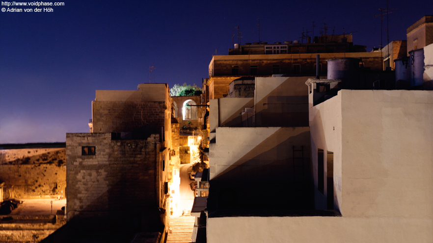 Malta: Valletta at night, Play of Shadows